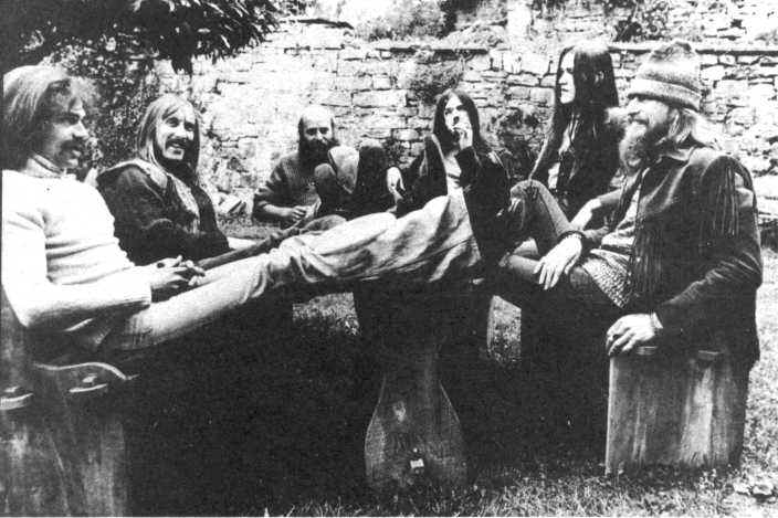 http://www.hawkwindmuseum.co.uk/hw74.jpg